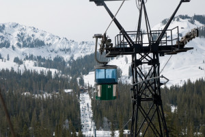 Sugar_Bowl_Ski_Resort_Gondola
